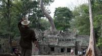 Da wir uns die 14$ für den TukTuk Fahrer sparen wollen, strampelten wir auch am zweiten Tag wieder Richtung Angkor, aber diesmal ist Ta Prohm dran, der Tempel der vor […]